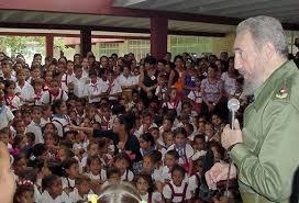 Fidel y los pioneros